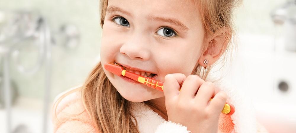 مراقبت دهان و دندان ها حین استفاده از فضا نگهدار